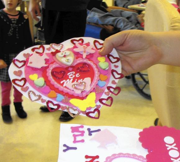 Around South County: 'Kin-necting' young and old through valentines | Valentine's